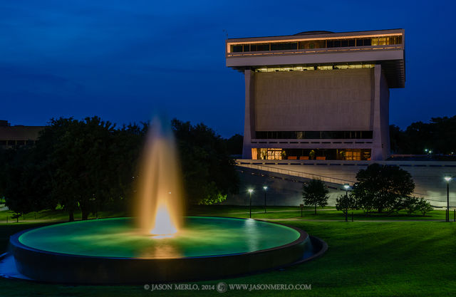 Austin, University of Texas, campus, Lyndon Baines Johnson Presidential Library, LBJ Fountain, dusk