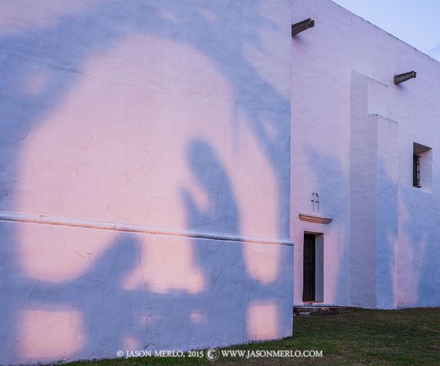 2015122204, Nativity scene shadows