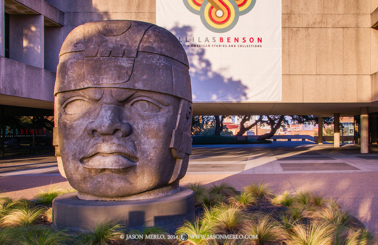 Austin, University of Texas, campus, Olmec head, Sid Richardson Hall, photo
