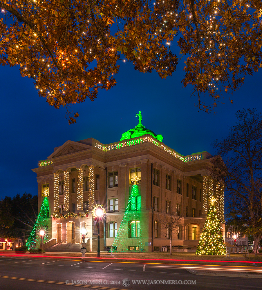 Georgetown, Williamson County courthouse, Texas county courthouse, Christmas, photo