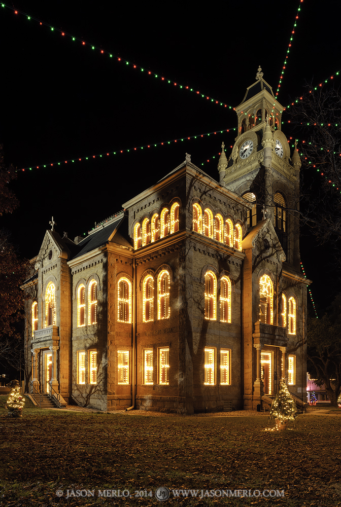 Llano, Llano County courthouse, Texas county courthouse, Christmas, photo
