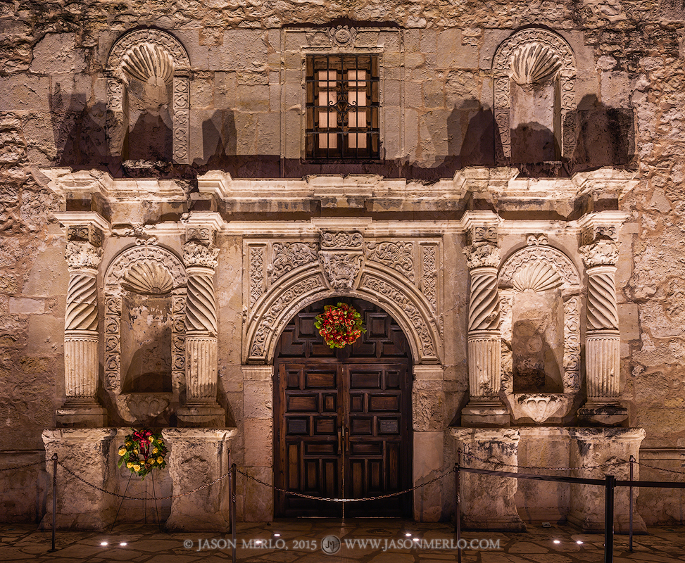 Mission San Antonio de Valero, The Alamo, San Antonio, South Texas, Texas Revolution, Christmas, photo