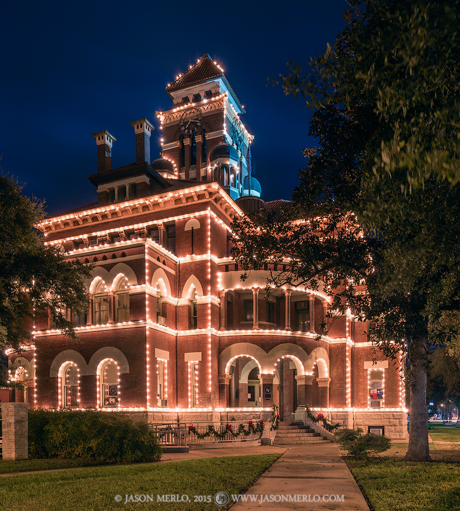 Gonzales, Gonzales County courthouse, Texas county courthouse, Christmas, photo