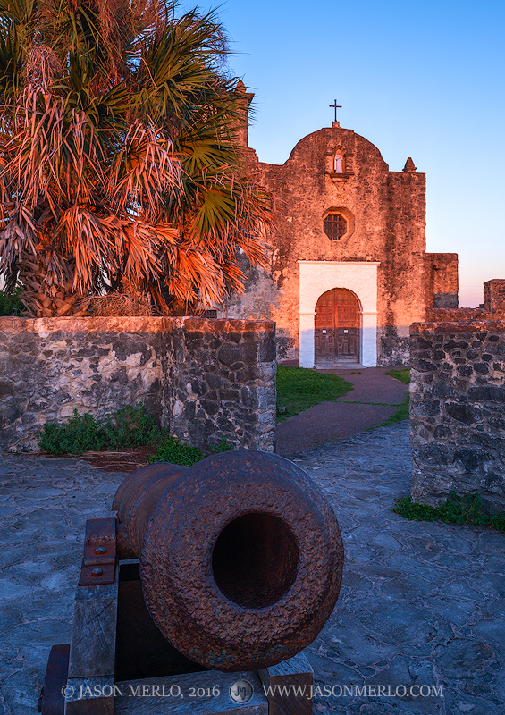 Presidio Nuestra Señora de Loreto de la Bahía, Goliad, South Texas, Presidio la Bahía, cannon, chapel, photo